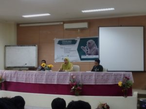 Senat Mahasiswa (SEMA) mengadakan Dialog Mahasiswa  bersama Wakil Rektor III Prof Siti Aisyah MA PhD. Kegiatan tersebut berlangsung di Lecture Teatre (LT) UIN Alauddin Makassar.