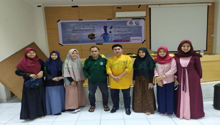 Hari Pendidikan Nasional (Hardiknas) Dewan Eksekutif Mahasiswa (Dema) Fakultas Tarbiyah dan Keguruan (FTK) UIN Alauddin Makassar Seminar Kewirausahaan untuk mahasiswa.